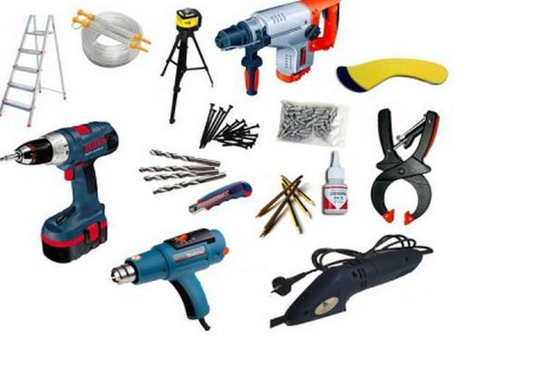 Инструменты, необходимые для монтажа декоративных балок на потолок