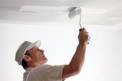 Закрашивание потолка валиком (фото)